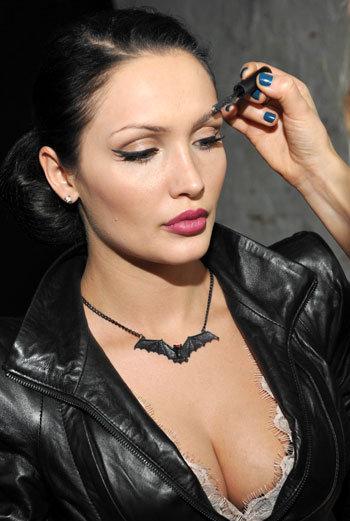 Меседа Багаудинова голышом на эротических фотографиях от Starsru.ru